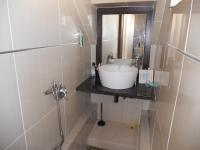 Main Bathroom - 1 square meters