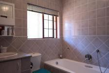Bathroom 1 - 3 square meters of property in Woodhill Golf Estate