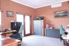 Study - 27 square meters of property in Woodhill Golf Estate