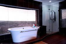 Main Bathroom - 16 square meters of property in The Wilds Estate