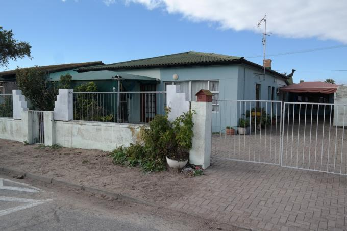 4 Bedroom House for Sale For Sale in Velddrift - Home Sell - MR111486