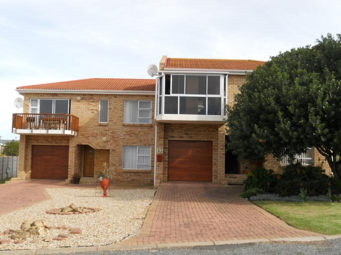 3 Bedroom Duet for Sale For Sale in Stilbaai (Still Bay) - Private Sale - MR111513