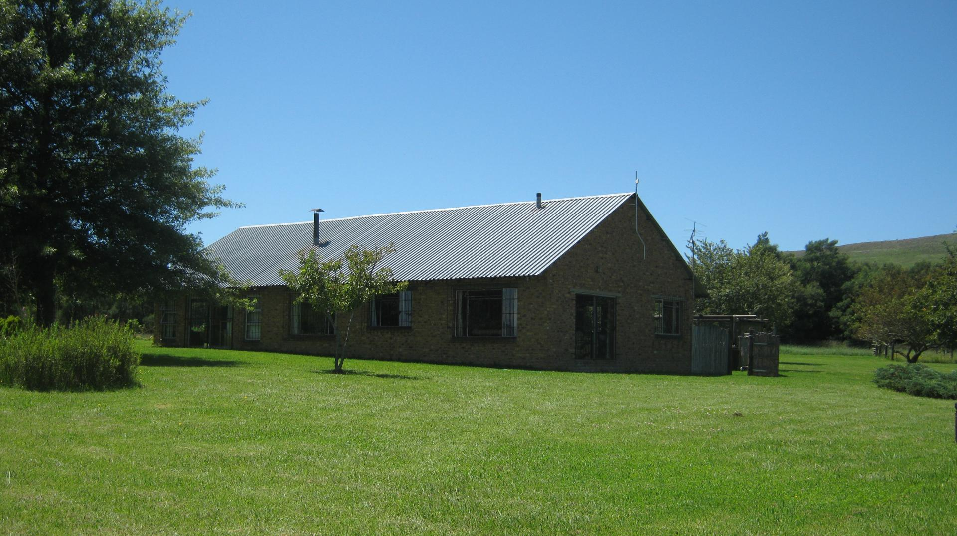 Front View of property in Mooi River