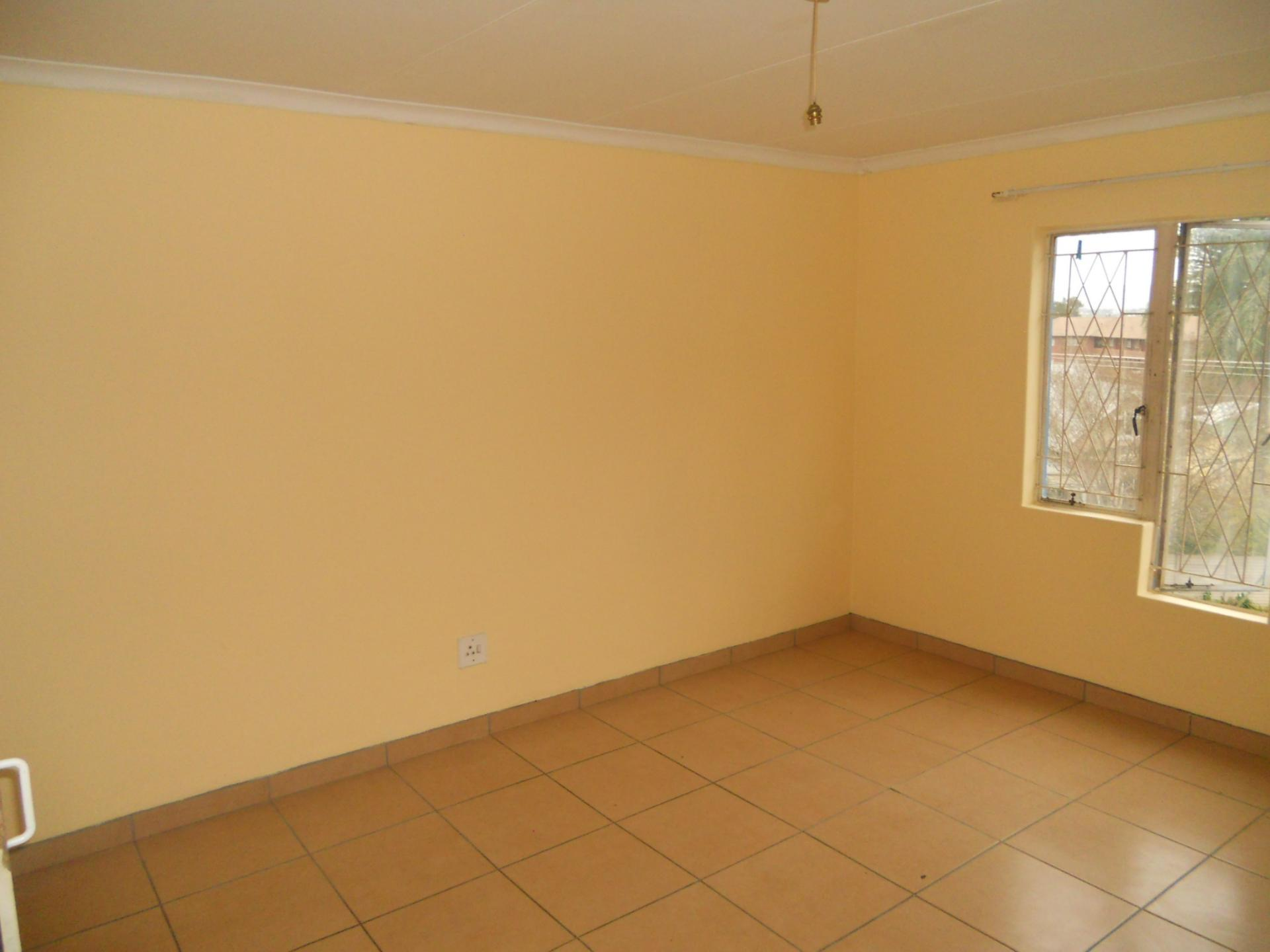Bed Room 1 - 13 square meters of property in Pietermaritzburg (KZN)