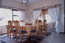 Dining Room - 16 square meters of property in Woodhill Golf Estate