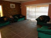 Lounges - 26 square meters of property in Waldrift