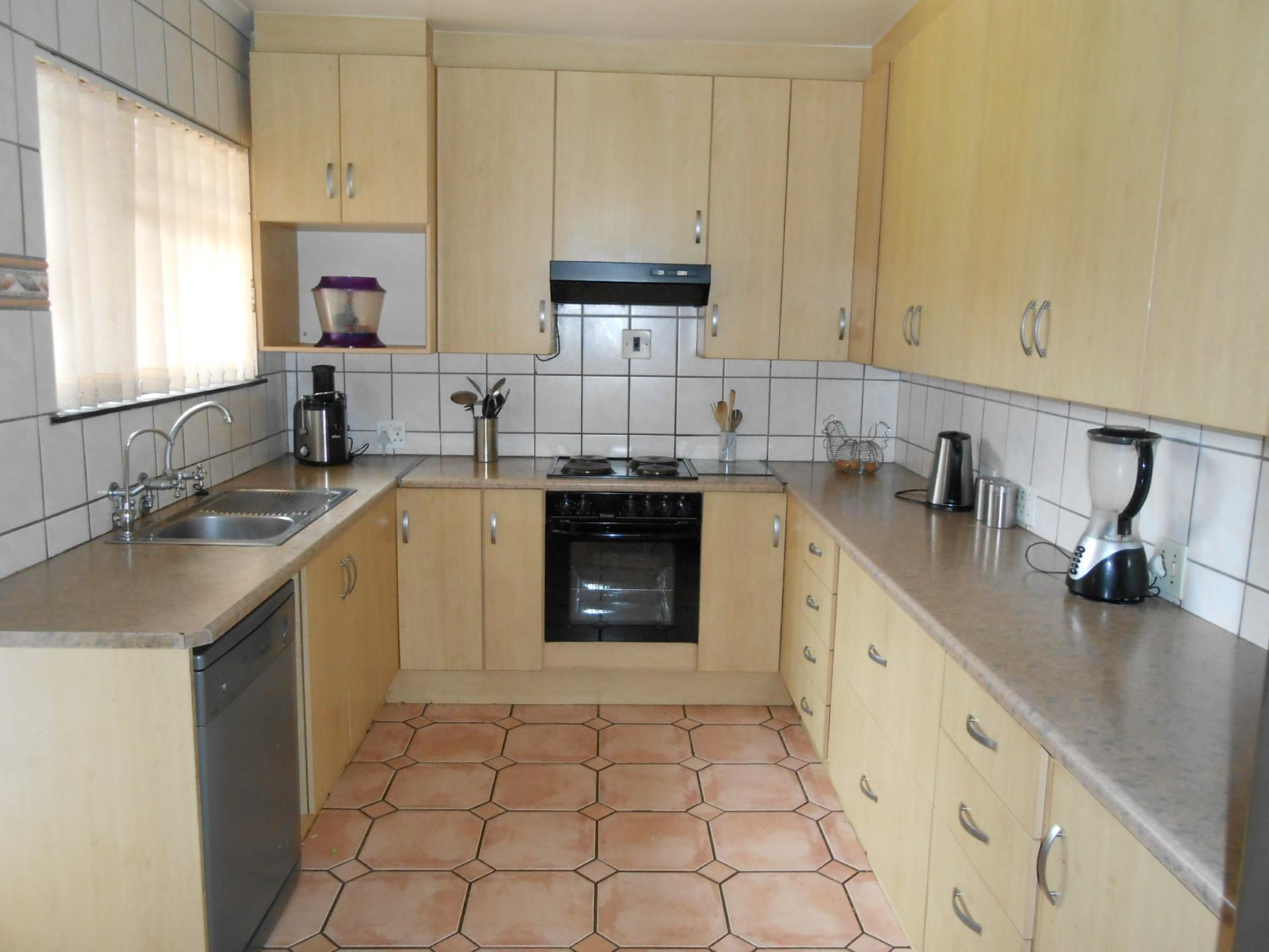 Kitchen - 45 square meters of property in Kempton Park