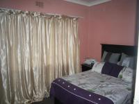 Main Bedroom of property in Forest Hill - JHB