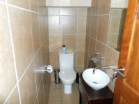 Bathroom 1 - 2 square meters of property in Amandasig