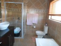 Bathroom 2 - 7 square meters of property in Amandasig