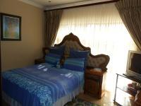 Bed Room 2 - 13 square meters of property in Amandasig