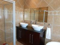 Main Bathroom - 8 square meters of property in Amandasig