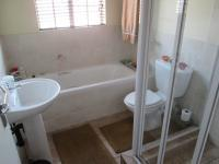 Bathroom 1 - 5 square meters of property in Wilgeheuwel