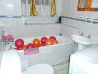 Main Bathroom - 3 square meters of property in Hatfield