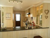 Kitchen - 20 square meters of property in Montana
