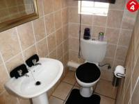 Bathroom 1 - 1 square meters of property in Annlin