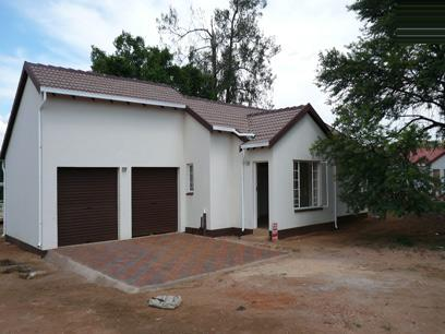 3 Bedroom Simplex For Sale in Karenpark - Home Sell - MR11179