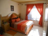 Main Bedroom - 17 square meters of property in Isipingo Hills