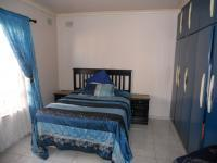 Bed Room 1 - 17 square meters of property in Isipingo Hills