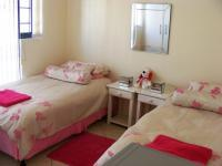 Bed Room 4 - 15 square meters of property in Hartenbos