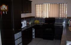Kitchen of property in Arcon Park