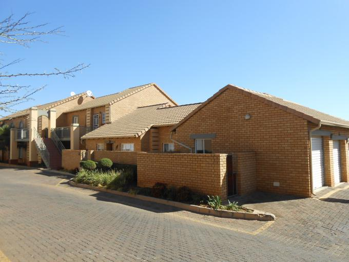 3 Bedroom Simplex for Sale For Sale in Mooikloof Ridge - Home Sell - MR111938