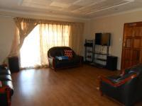 Lounges - 28 square meters of property in Soshanguve
