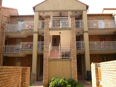 2 Bedroom Simplex for Sale For Sale in Die Hoewes - Home Sell - MR11197