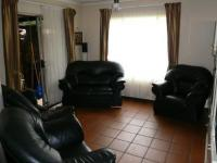 Lounges - 20 square meters of property in Eldoraigne