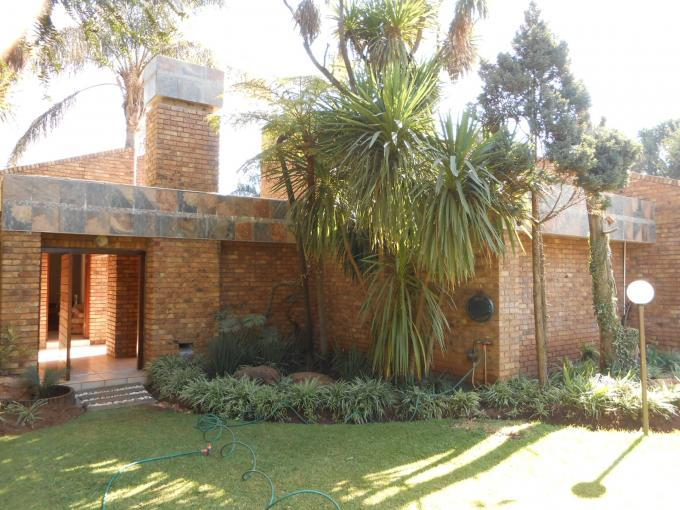 4 Bedroom House for Sale For Sale in Benoni - Private Sale - MR111981