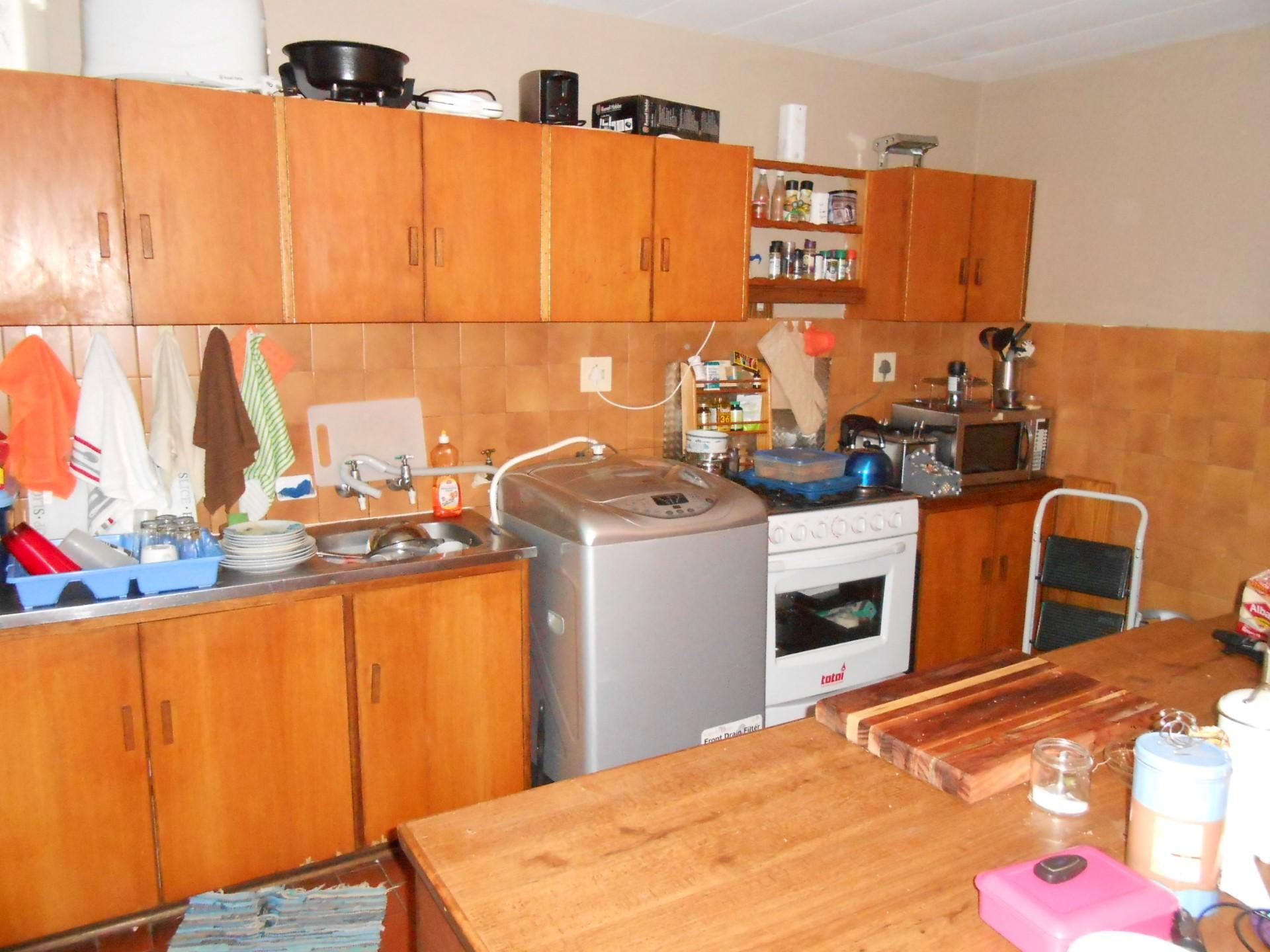 Kitchen - 12 square meters of property in Naval Hill