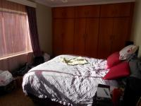 Main Bedroom - 17 square meters of property in Naval Hill