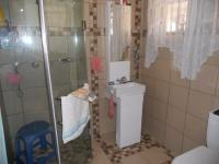 Main Bathroom - 3 square meters of property in Hillary