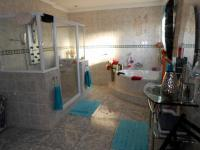 Main Bathroom - 16 square meters of property in Sonneveld