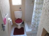 Main Bathroom - 3 square meters of property in Boundary Park