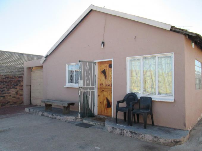 3 Bedroom House For Sale in Lenasia South - Private Sale - MR112131