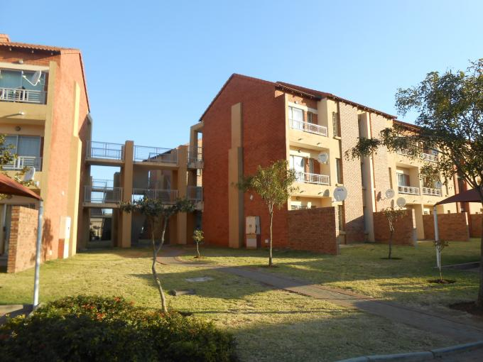 2 Bedroom Simplex for Sale For Sale in The Orchards - Private Sale - MR112162