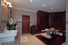 Main Bathroom - 37 square meters of property in The Wilds Estate