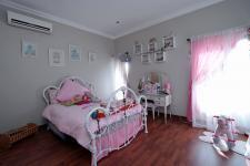 Bed Room 1 - 21 square meters of property in Woodlands Lifestyle Estate