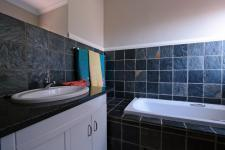 Bathroom 1 - 9 square meters of property in Woodlands Lifestyle Estate