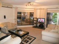Lounges - 20 square meters of property in Umhlanga Rocks