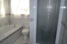 Main Bathroom - 12 square meters