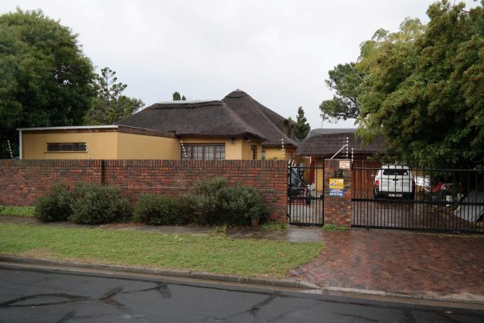 Standard Bank EasySell 3 Bedroom House for Sale For Sale in Pinelands - MR112307