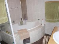 Main Bathroom - 7 square meters of property in Amandasig