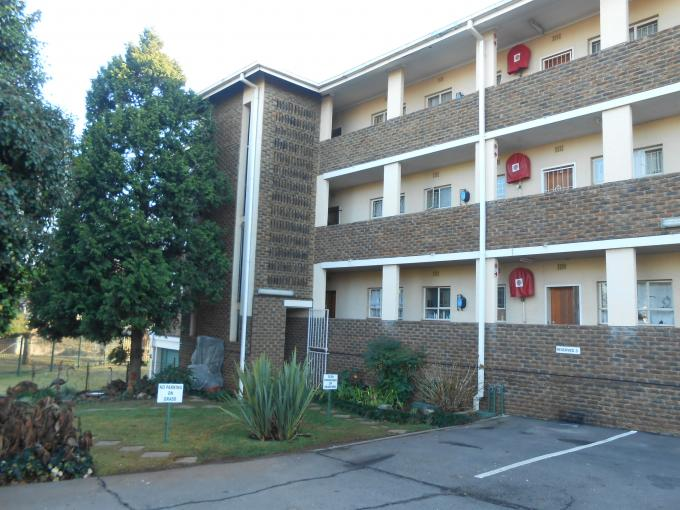 2 Bedroom Apartment For Sale in Centurion Central (Verwoerdburg Stad) - Private Sale - MR112413