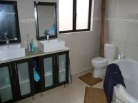 Main Bathroom - 3 square meters of property in Faerie Glen
