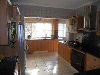 Kitchen - 33 square meters of property in Athlone Park