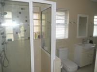 Bathroom 1 - 8 square meters of property in Athlone Park