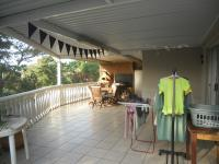 Patio - 74 square meters of property in Athlone Park
