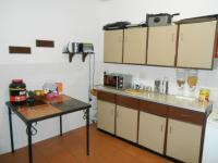 Kitchen - 15 square meters of property in Val de Grace